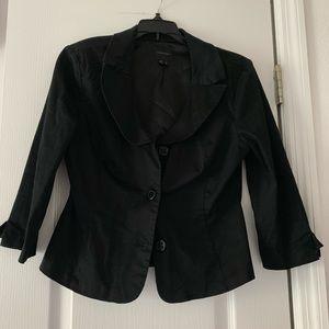 Jackets & Blazers - Black elbow length blazer